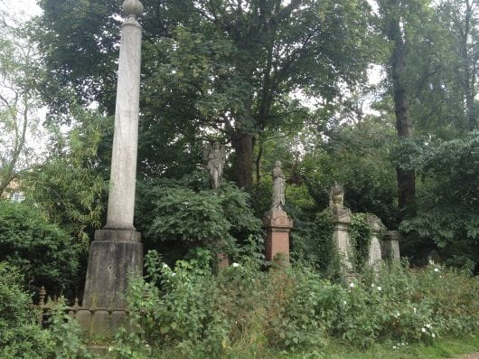 abney-park-cemetery-london-(by-claire-creighton)