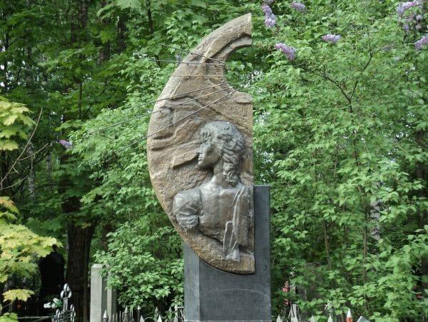 Bogoslovskoye Cemetery Saint Petersburg (by Dmitriy Ivanov)