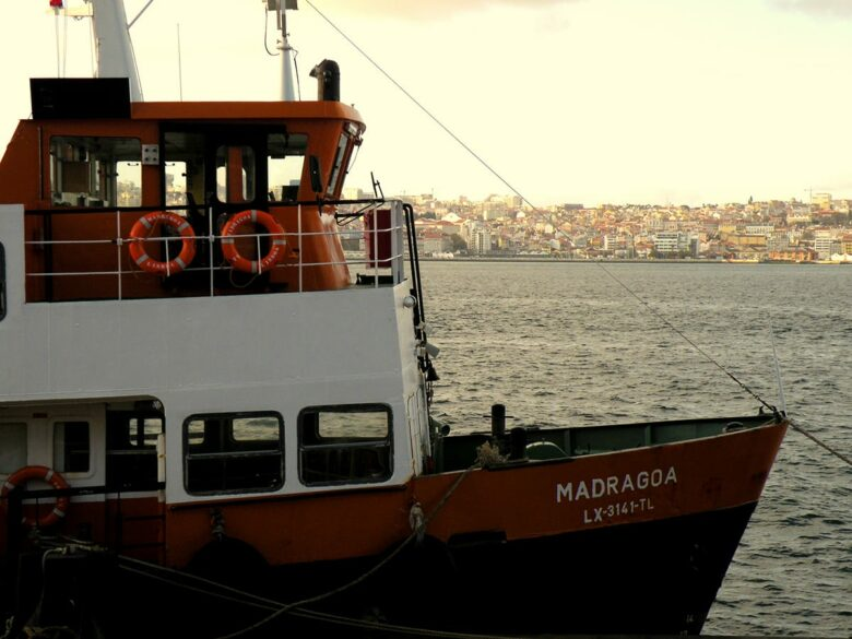 Cacilheiro boat trip