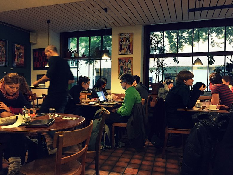 6 Ways Spotted by Locals Can Benefit Your Language Learning