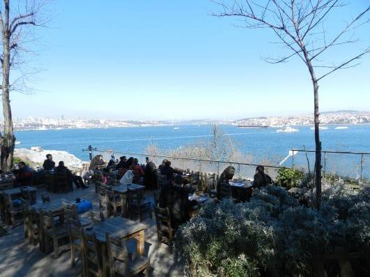 Setüstü Tea Garden Istanbul (by Alper Ayden)
