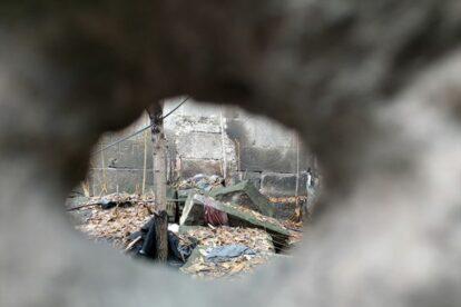 A Peephole to the '90s Yerevan